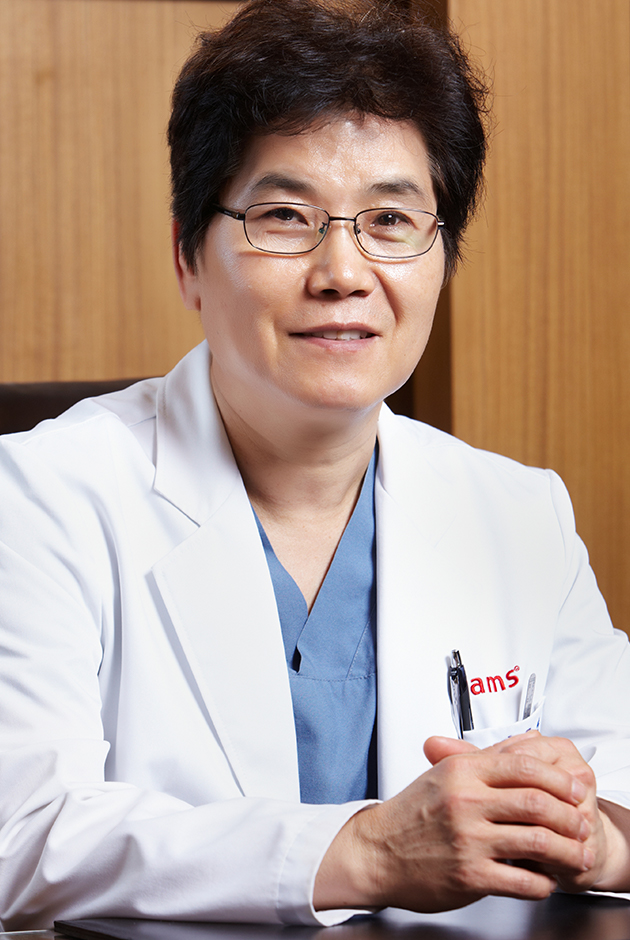 Headshot of Moo Yeon Lee, MD