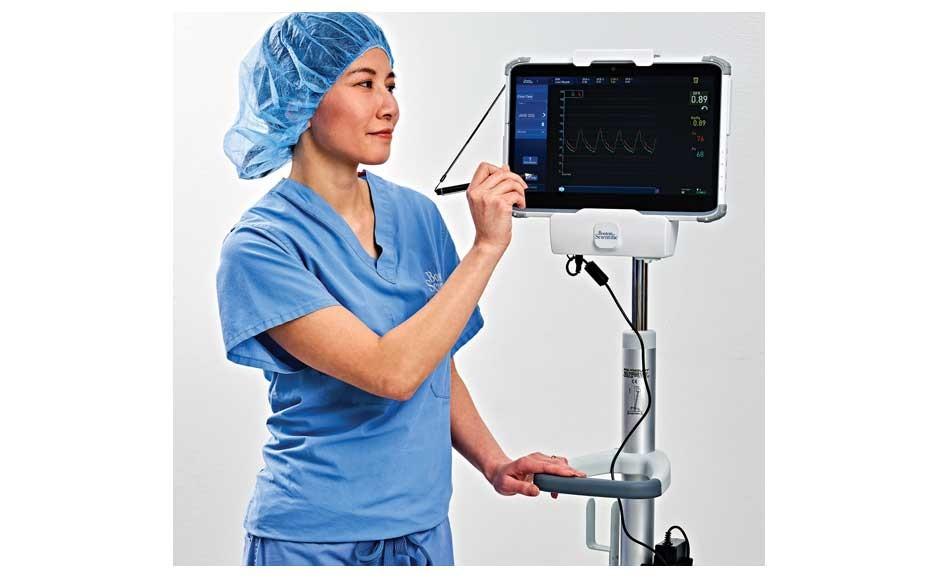 medical professional using AVVIGO