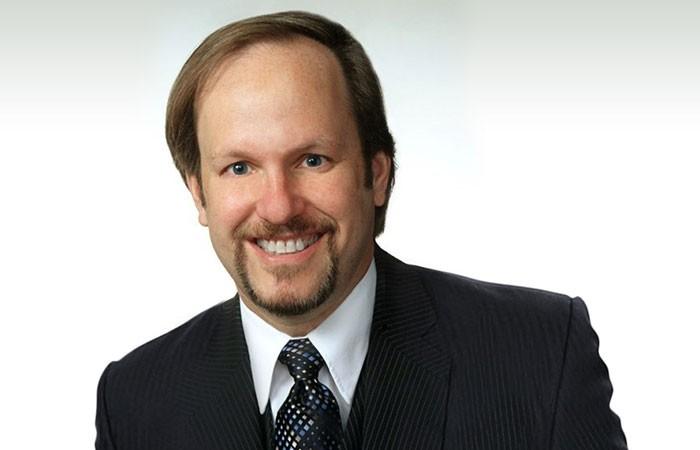 Dr. Kaplan headshot